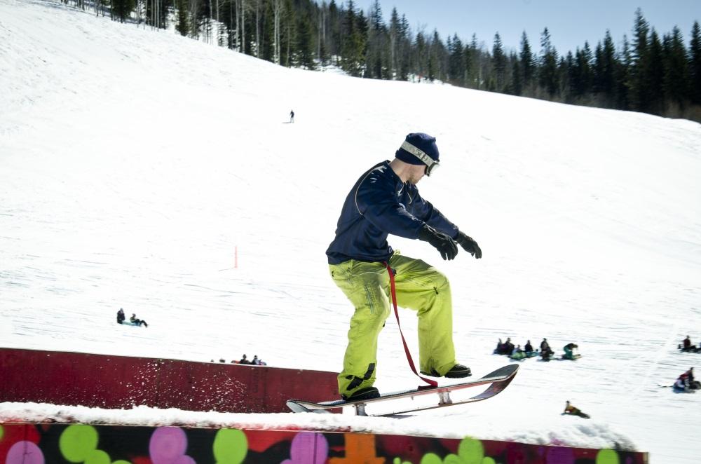 bindingless snowskate powsurf